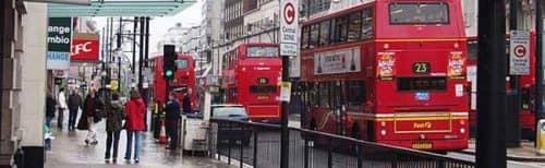 оживленная улица Лондона