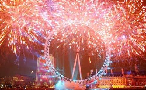 англичане празднуют Новый год