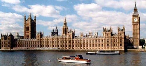 вид на Лондон со стороны Темзы