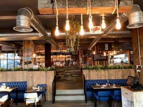 Ресторан Midpoint Restaurant