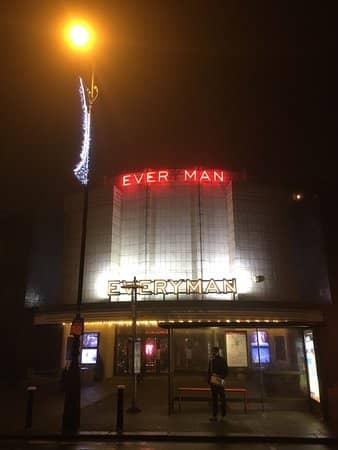 Как появился кинотеатр