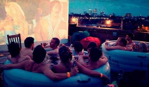 Кинотеатр Hot Tub Cinema